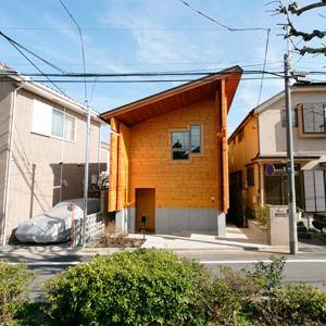 ログハウスは住宅街でも建てられますか?