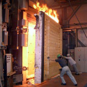 ログハウスは火には強いですか?