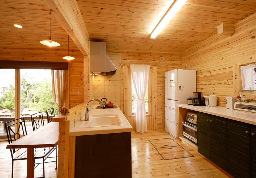 とても動きやすい家事動線が確保された キッチンは、ゆったりした空間になっている