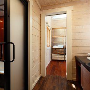 インテリア家具とのマッチや北欧テイストを叶えるため、内部は薄い白塗装とした
