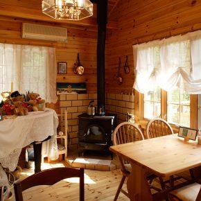 暖房としてだけでなく、 料理でも大活躍する薪ストーブ。 火持ちをよくするためには、 薪選びが大切なのだとか