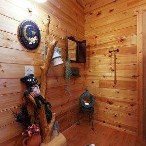 イングリッシュガーデンを楽しむための平屋ログハウス