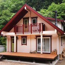 森林に囲まれたログハウスでDIYを思う存分に楽しむ
