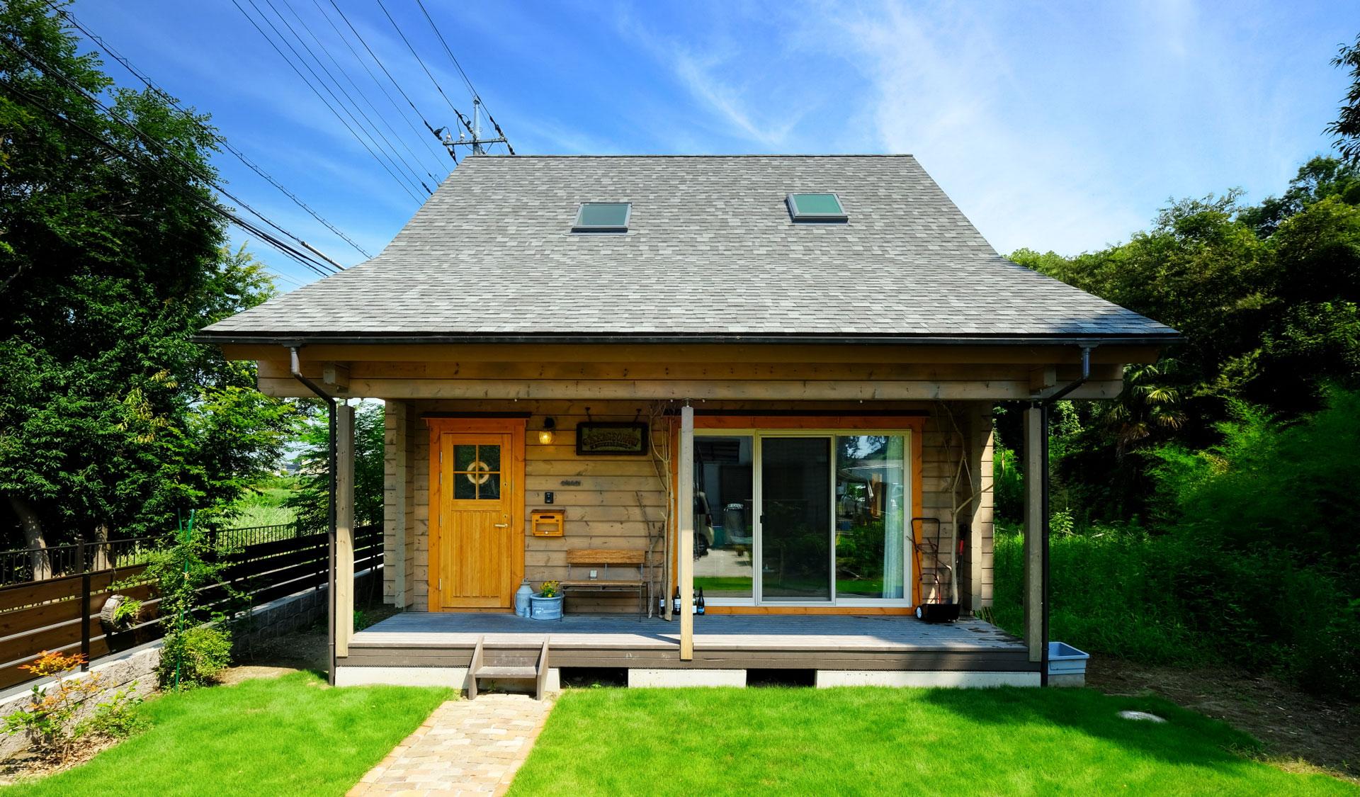 折れ屋根ログハウスで送る豊かなスローライフ